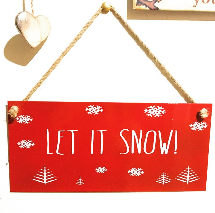 christmas wall hanging for small home