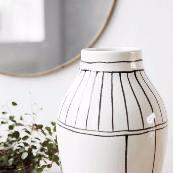 trending vase for winter
