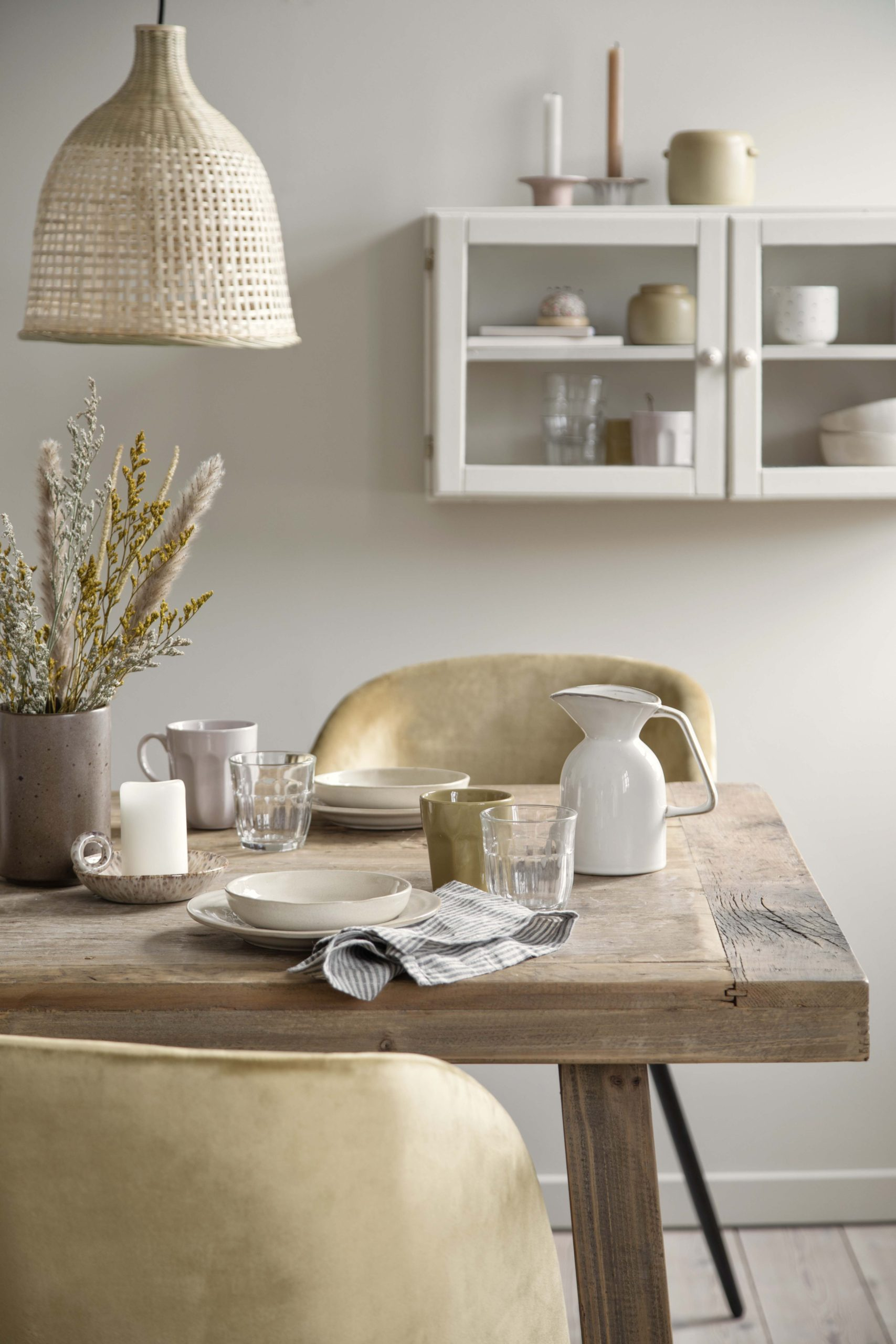 calming dining table set up